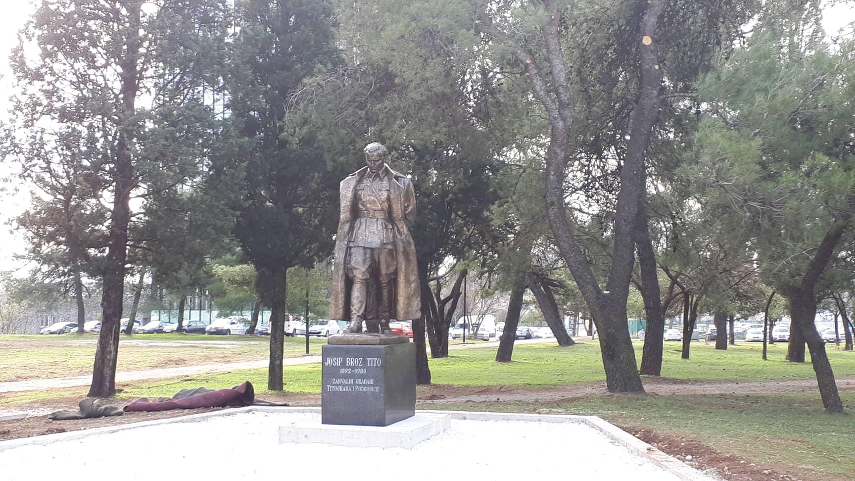 Postavljen Spomenik Titu U Podgorici Cdm